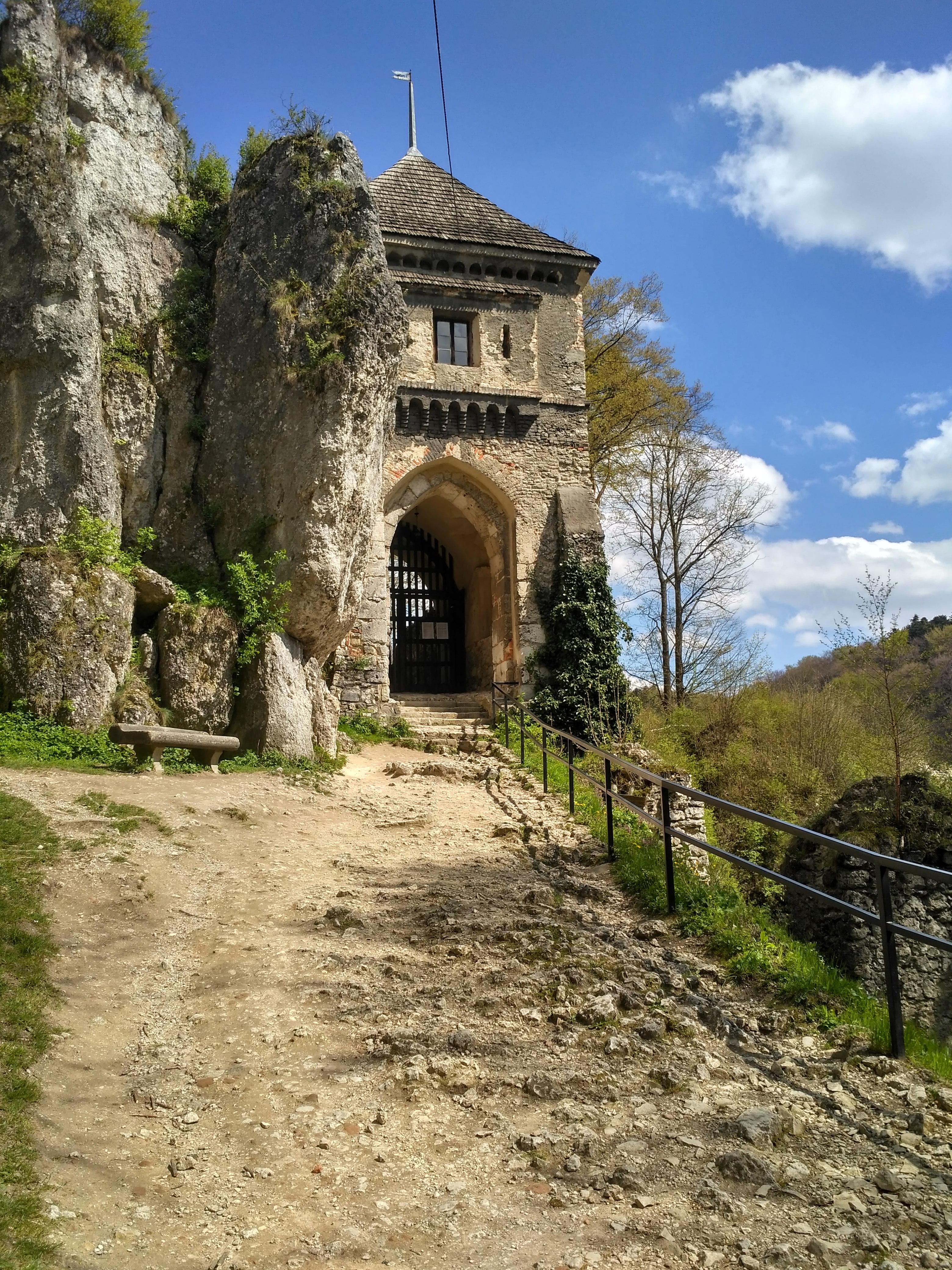 Ojców Atrakcje: Zamek w Ojcowie
